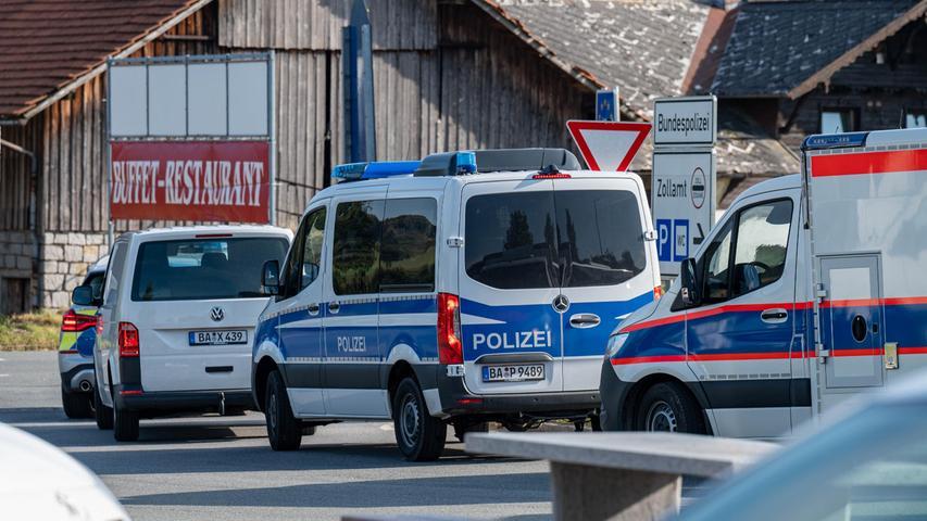 Am Dienstagmittag dann die erlösende Nachricht:Das Mädchen wurde bei Ceska Kubice entdeckt. Die Achtjährige aus Berlin werde nun medizinisch betreut, teilte die tschechische Polizei am Dienstag auf Twitter mit.