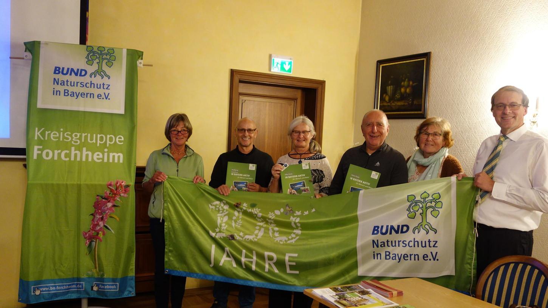 v.l.n.r. : Rotraud Krüger (stellv. Vorsitzende), Wolfgang Schaffron (Ehrung 25 Jahre), Elke  Kreis, Hans Kreis (beide Ehrung 25 Jahre), Edith Fießer (stellv. Vorsitzende), Ulrich Buchholz (1. Vorsitzender).