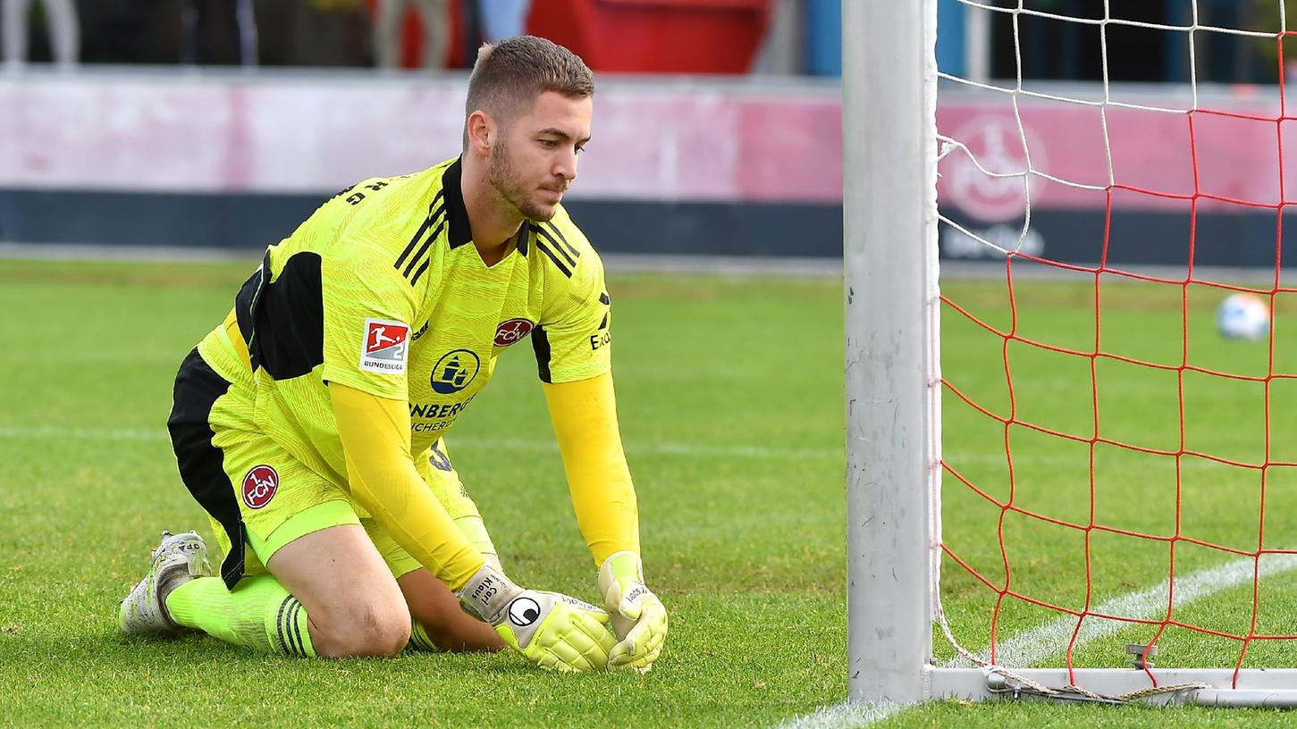 Sieben Mal musste Club-Keeper Carl Klaus im Testspiel gegen Ingolstadt hinter sich greifen.
