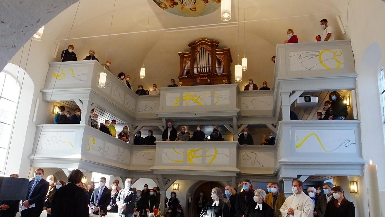Die neugestaltete Kirche in Weisendorf beim Festgottesdienst.