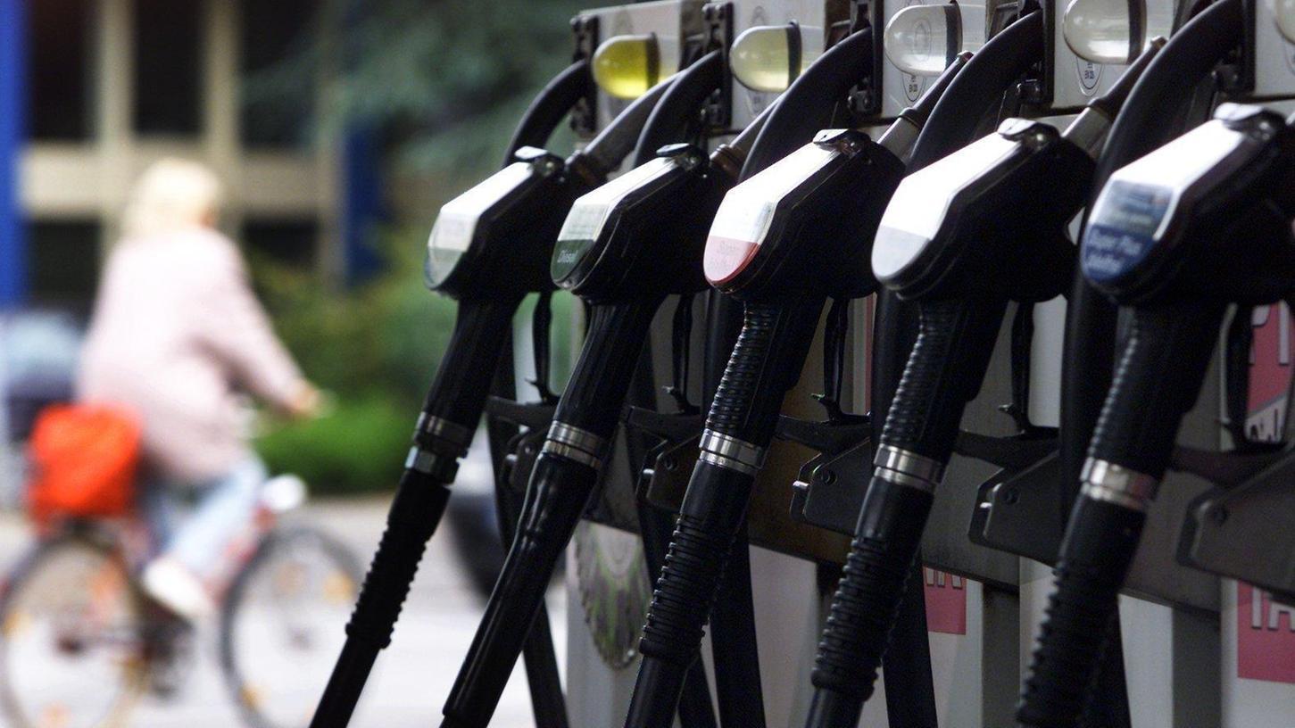 Welche Abrechnungsmethode die Betreiber von Selbstbedingungs-Tankstellen anwenden, entscheiden sie - innerhalb bestimmter gesetzlicher Vorschriften - selbst.