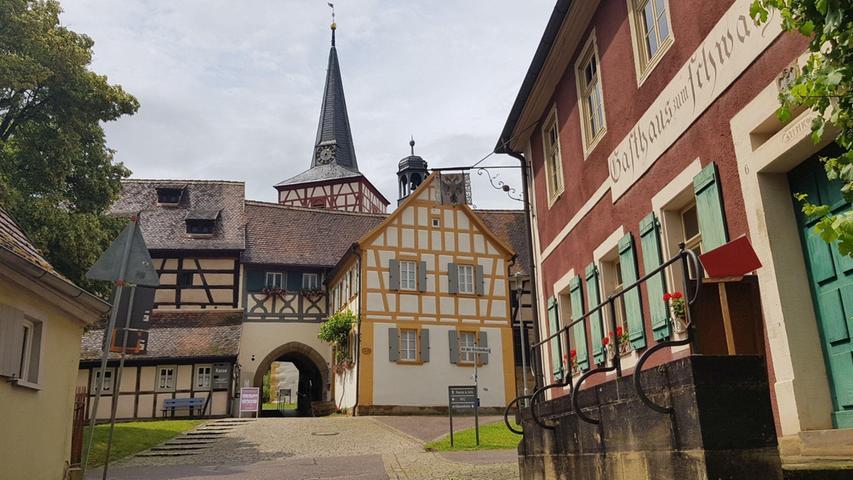 Frankens schönste Kirchenburg: Ein Museum mit 160 Einwohnern