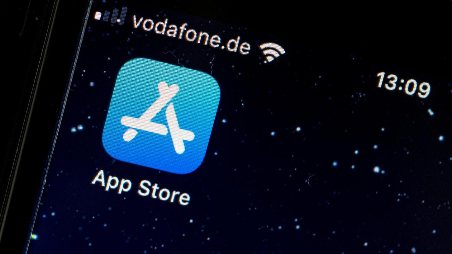 Apple verschärftdie Warnungen vor Risiken durch eine Öffnung des iPhones für App Stores anderer Anbieter.