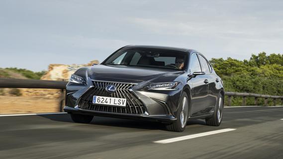 Lexus ES 300h: Sparen in der Business-Class