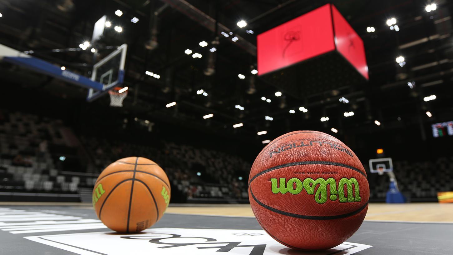 Die Bälle liegen bereit: Ende November wird die deutsche Basketball-Nationalmannschaft mehrere Tage in Nürnberg trainieren, am 25. November steigt in der Kia Metropol Arena dann das Länderspiel gegen Estland.