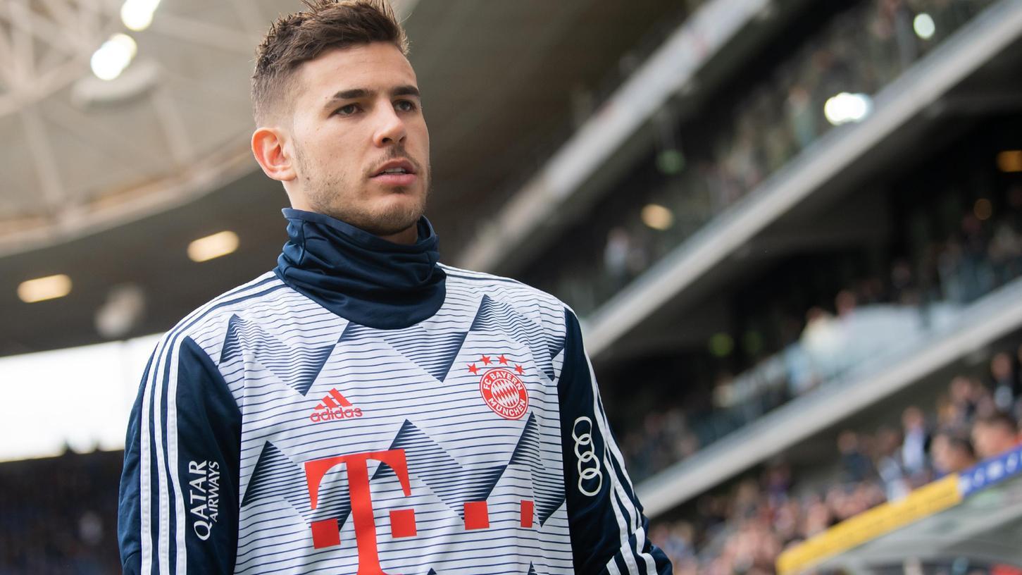 Der FCBayern München will sich zu den juristischen Problemen von Abwehrspieler Lucas Hernández nicht im Detail äußern und sichert dem französischen Fußball-Nationalspieler seine Unterstützung zu.