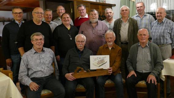 40 Jahre nach Abschluss: Schreinermeister treffen sich noch heute
