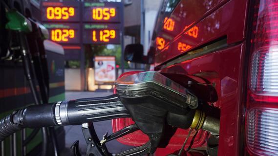 Billige Spritpreise sorgen für Ansturm an tschechischen Tankstellen