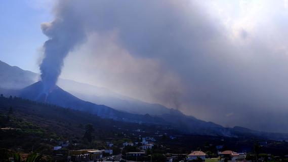 Neue Landzunge? Zweiter Lavastrom auf La Palma rund 200 Meter vom Meer entfernt
