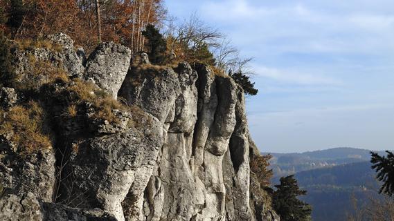 Frau stürzt ab: Helikopter bei Kletterunfall in Fränkischer Schweiz im Einsatz