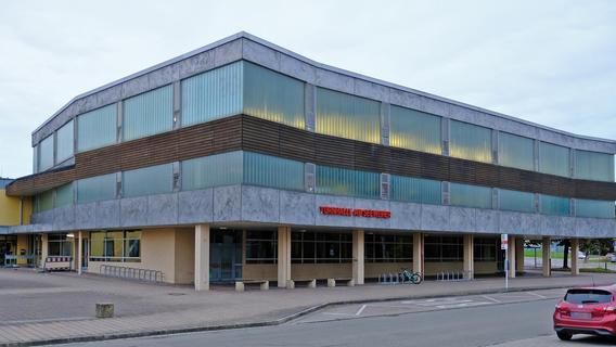 Seeweiher-Turnhalle in Weißenburg bleibt erstmal noch stehen