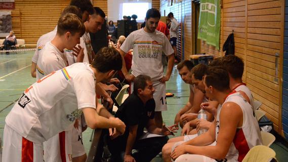 Die VfL-Baskets Treuchtlingen wollen die Euphorie vom Auftaktsieg mit nach Bad Aibling nehmen