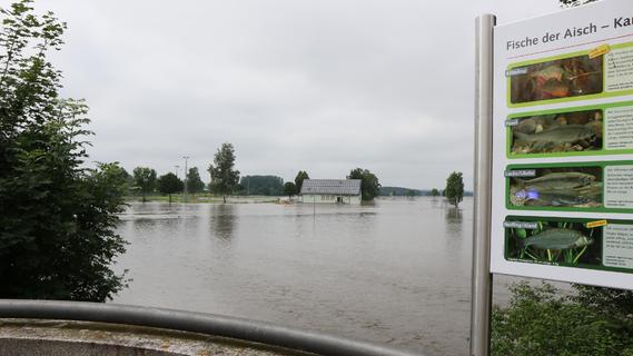 Drei Monate nach dem Hochwasser im Landkreis ERH laufen die Lüfter noch immer