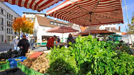 (Bauern)Markt auf Marktplatz in Forchheim: Die Händler sind umgezogen