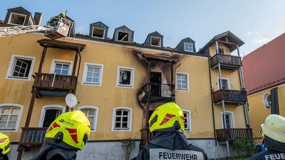 Feuer mit vier Toten in Bayern: Polizei nennt neue Details - und mögliche Ursache