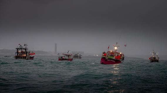 Kriegsschiffe im Ärmelkanal: Fischerei-Streit zwischen England und Frankreich eskaliert