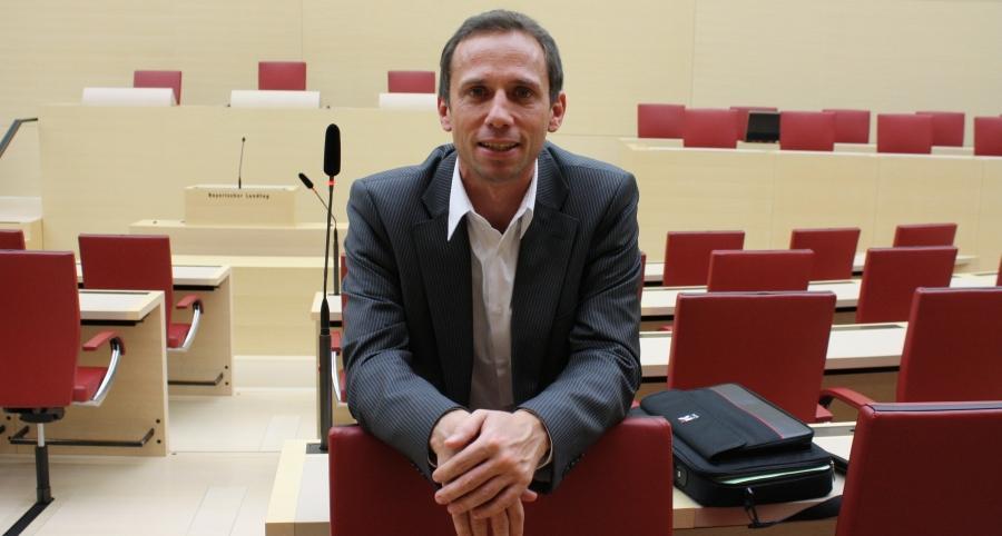 Stammt aus Pinzberg und ist über seinen Heimatort voll des Lobes: Thorsten Glauber, der Bayerische Umweltminister