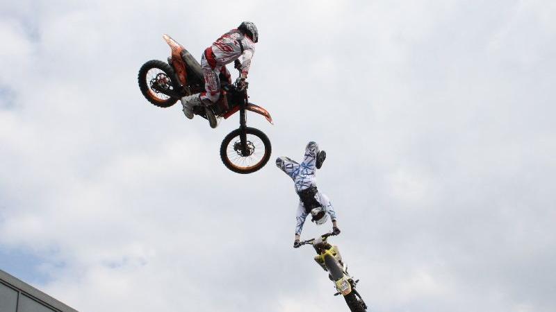 Freier Fall: Champions der Freestyle-Szene zeigten ihre waghalsigen Stunts - nicht zum Nachmachen!