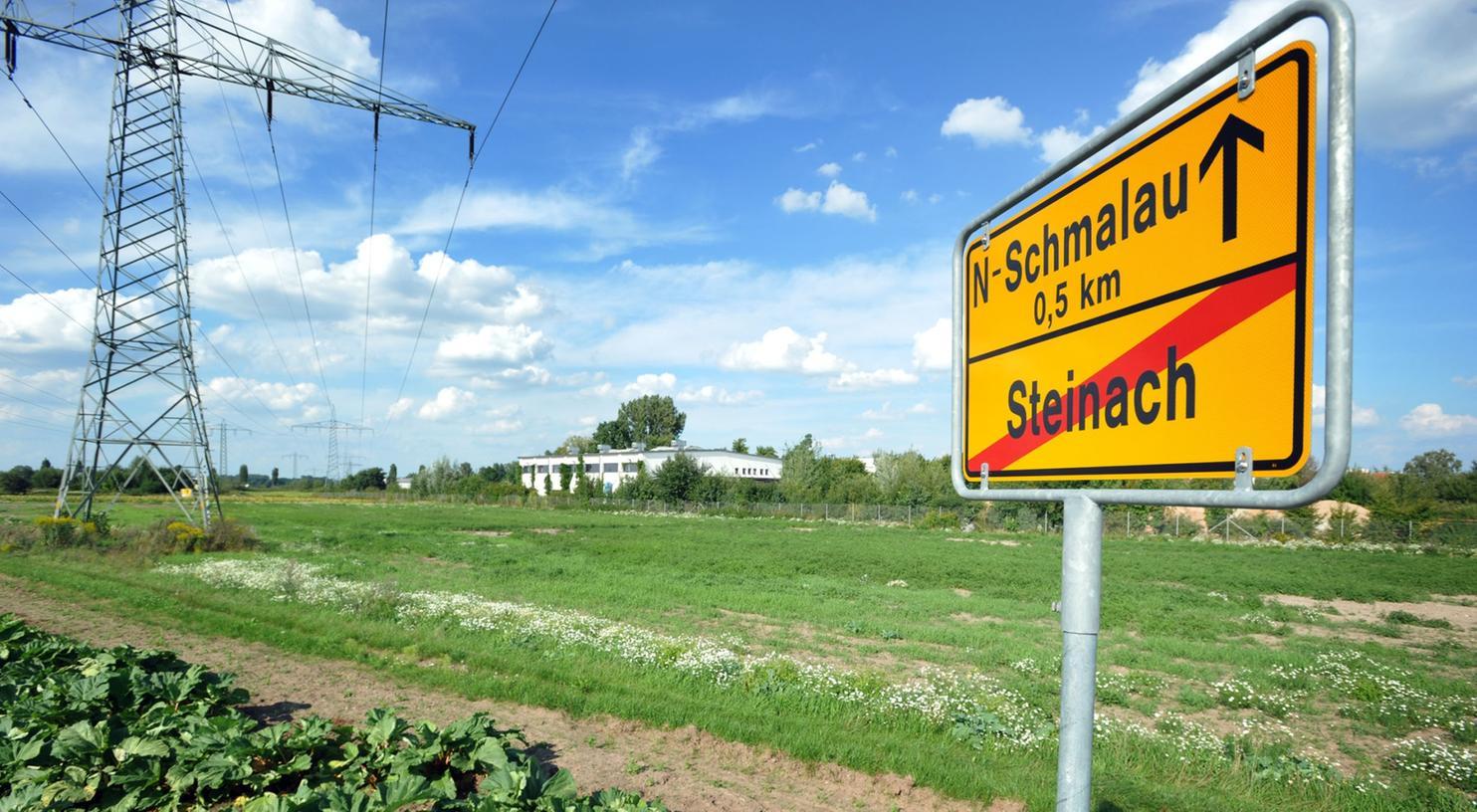 Über freies Feld soll die S-Bahn nach der von Fürth energisch bekämpften Planung in einem großen Bogen am bestehenden Bahnhof in Stadeln vorbei zum Industriegebiet Schmalau geführt werden,