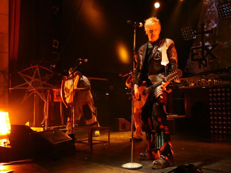 Mittelalter-Rock in der Fürther Stadthalle: In Extremo spielten Songs aus ihrem neuen Album
