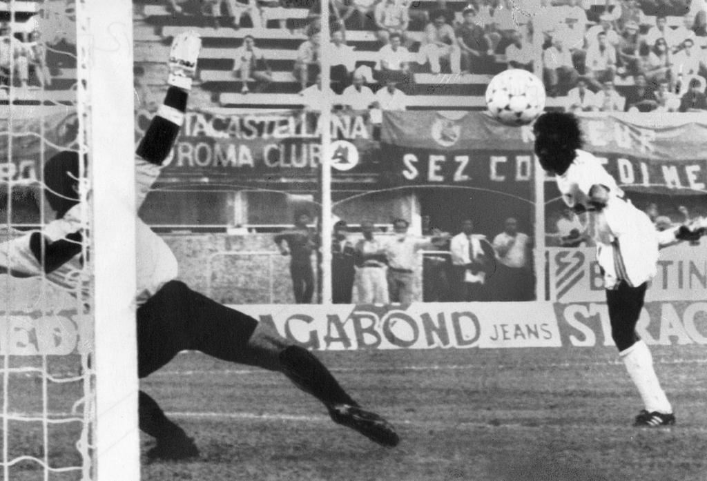 Rund zwanzig Jahre, nachdem sich der Club von der glamourösen europäischen Bühne verabschiedet hatte, setzte er in der ersten Runde des UEFA-Pokals 1988/89, für welchen er sich durch Platz fünf in der zuvorliegenden Bundesliga-Saison qualifiziert hatte, ein imposantes Ausrufezeichen.