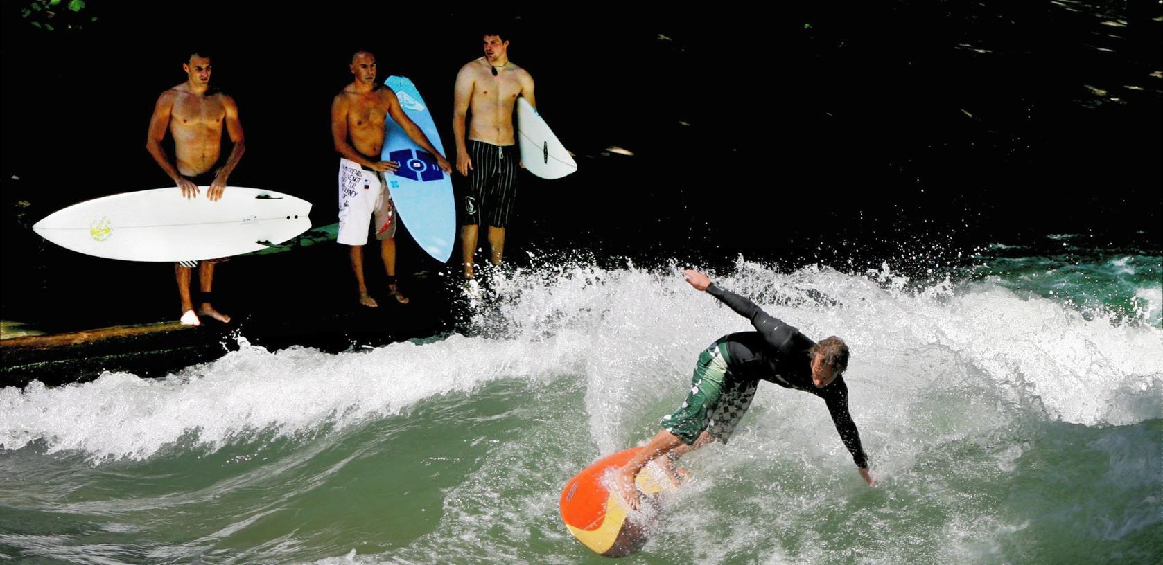 Surfen in der Stadt: München hat kein Meer, aber den Eisbach. Nürnbergs Wellenreiter haben den Wöhrder See und eine Idee...