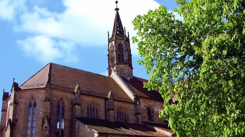 Das historische MünsterHeilsbronn ist heute eine Evangelisch-Lutherische Kirche, war jedoch ursprünglich mal ein Zisterzienserkloster.