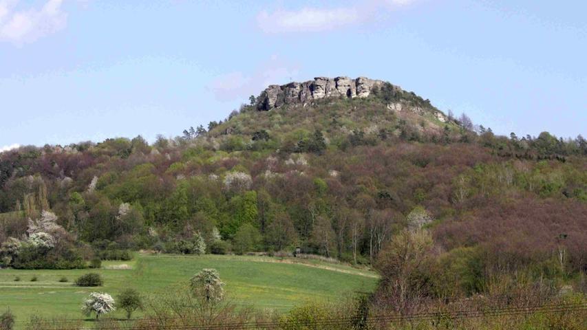 Markantes Wahrzeichen im oberen Maintal und schon seit der Jungsteinzeit eine wichtige Siedlung im