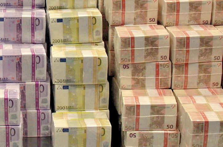 Insgesamt sollen in die neuen Projekte von Union und SPD 23 Milliarden Euro gesteckt werden. Steuererhöhungen wird es jedoch keine geben. Ab 2015 will die Koalition keine neuen Schulden mehr machen.