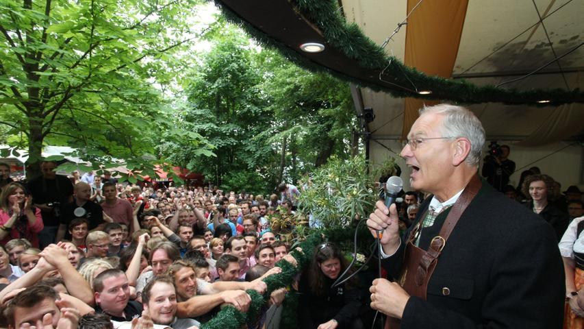 Oberbürgermeister Siegfried Balleis eröffnete die Bergkirchweih.
