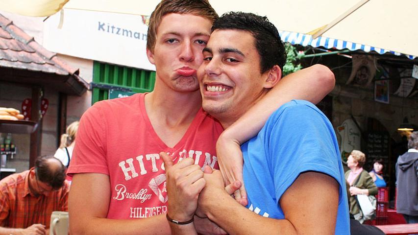 Karim (20) und Ricky (19, von links) aus Lauf sagen: