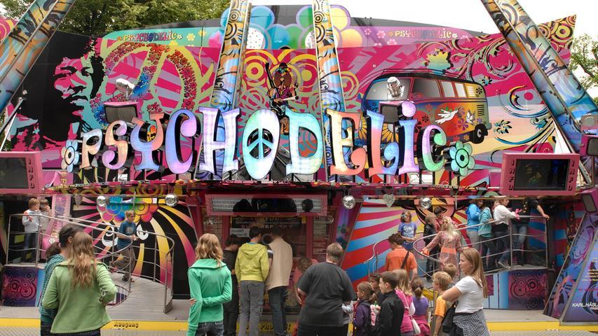 Hippie-Kult am Berg: Im Psychodelic erleben die Besucher angeblich ein unfassbares Farbenspiel, das ganz im Glanz der 70er erleuchtet.