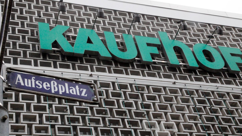 Dass der Kaufhof am Aufseßplatz schließt, ließ in Nürnberg niemanden kalt. Doch noch gibt es keine konkreten Pläne, wie es mit dem Gebäude weitergehen soll.