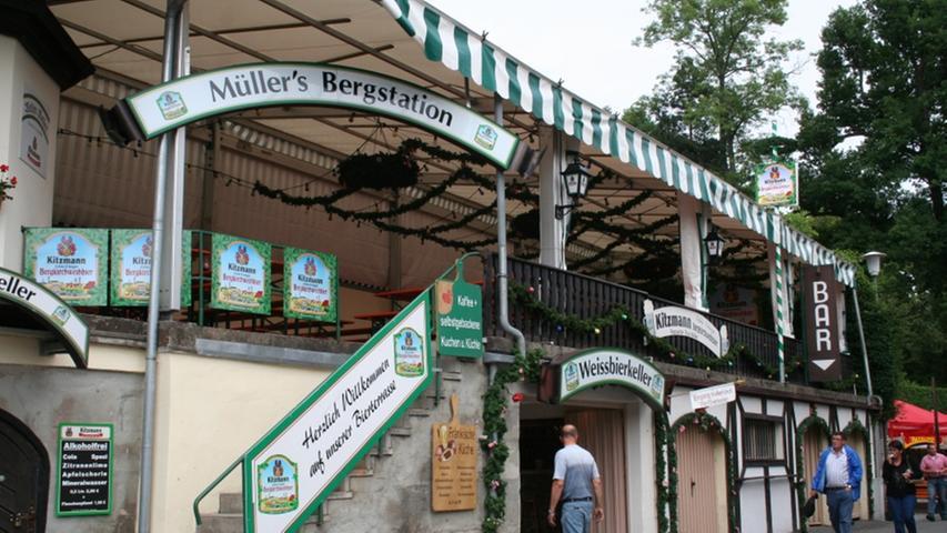 Die Müller's Bergstation am Weller Keller ist wegen des Weißbierkellers im Inneren des Berges bekannt und beliebt.