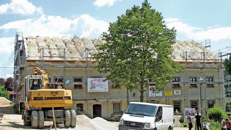 Das Gelände der ehemaligen Brauereigaststätte in der Schambacher Burggasse ist derzeit eine Großbaustelle.