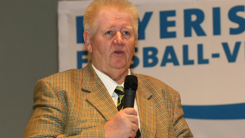 Bezirksspielleiter Ludwig Beer hat sofort reagiert, nachdem die letzten Relegationsentscheidungen gefallen waren, und