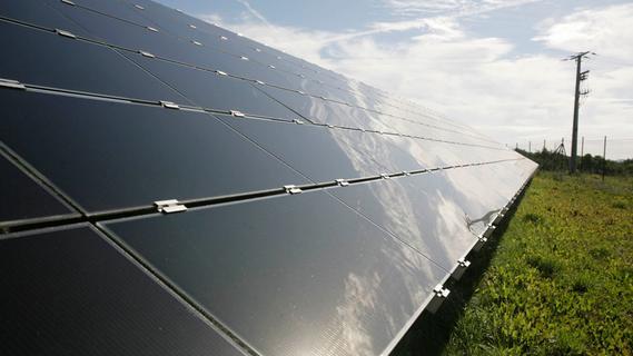 Hohenfelser fühlen sich von Photovoltaik-Anlagen umzingelt - Nordbayern.de