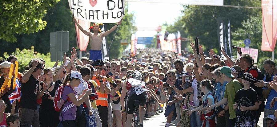 Eng, enger, Solarer Berg. Hier stehen die Challenge-Fans jedes Jahr dicht an dicht, um die Triathleten bei deren Klettertour hinauf zum Hilpoltsteiner Hausberg anzufeuern.
