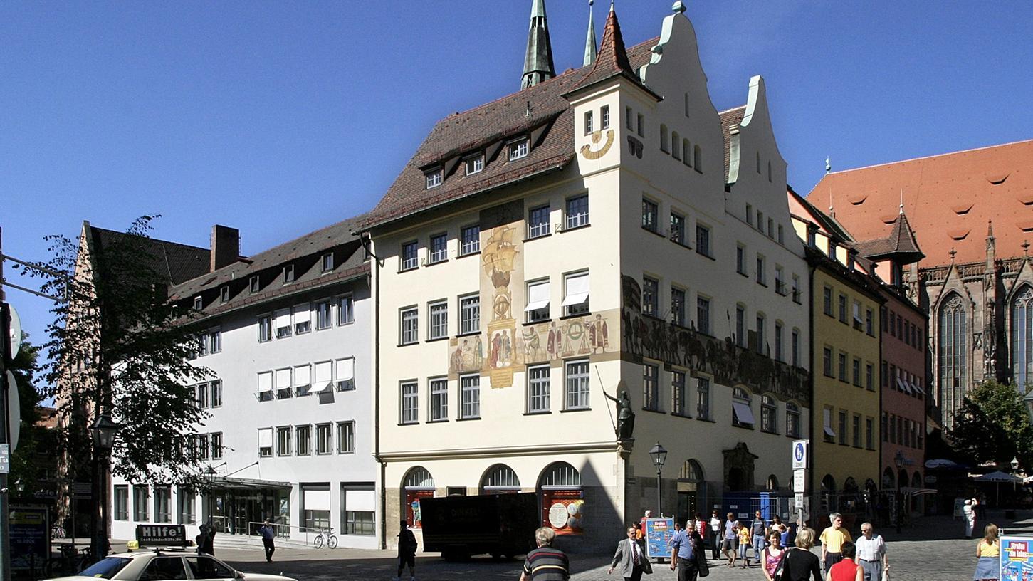 Die IHK Nürnberg für Mittelfranken ist einem hausinternen Skandal ausgesetzt. Schuld daran ist ein Mitarbeiter, der wohl Bestechungsgelder kassiert hat.
