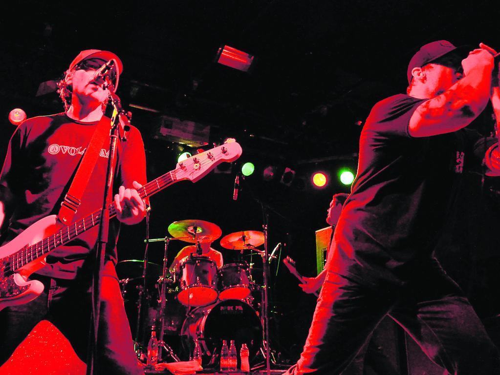 Punkrock vom Feinsten. Pennywise rocken den Hirsch und transportieren mit ihrer Musik authentische Werte.
