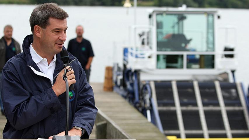 Da ließ es sich auch Minister Söder nicht nehmen dem Boot mit einer feierlichen Rede zu gratulieren.