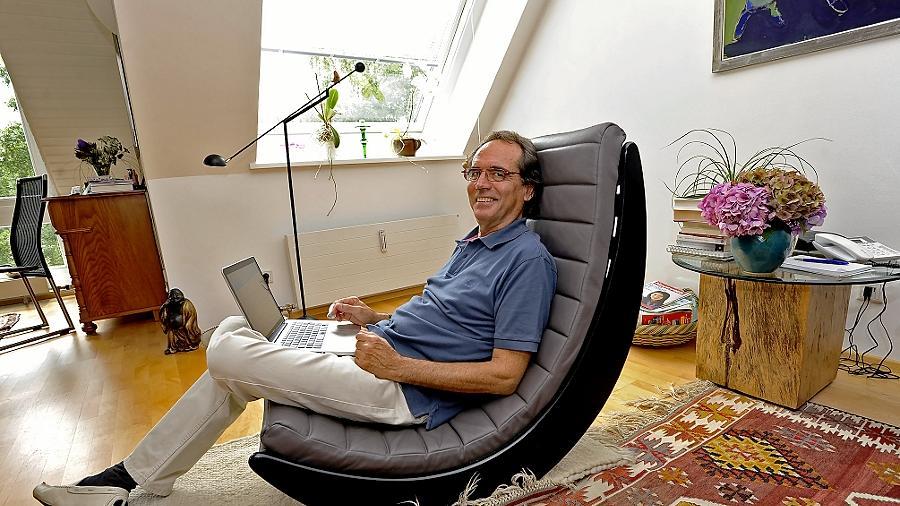 """""""Alles in geruhsamem, moderaten Tempo"""": Herb Stumpf vereinbart Arbeit und Entspannung."""