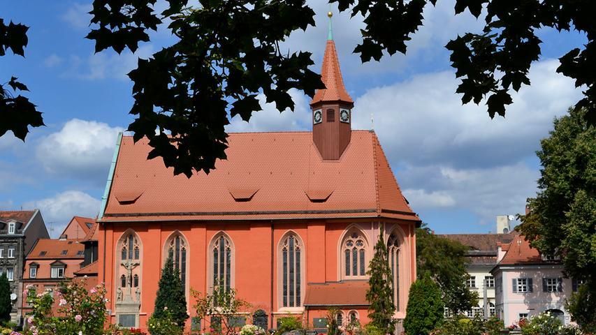 Die St-Johannis-Kirche stammt aus dem 13. Jahrhundert.