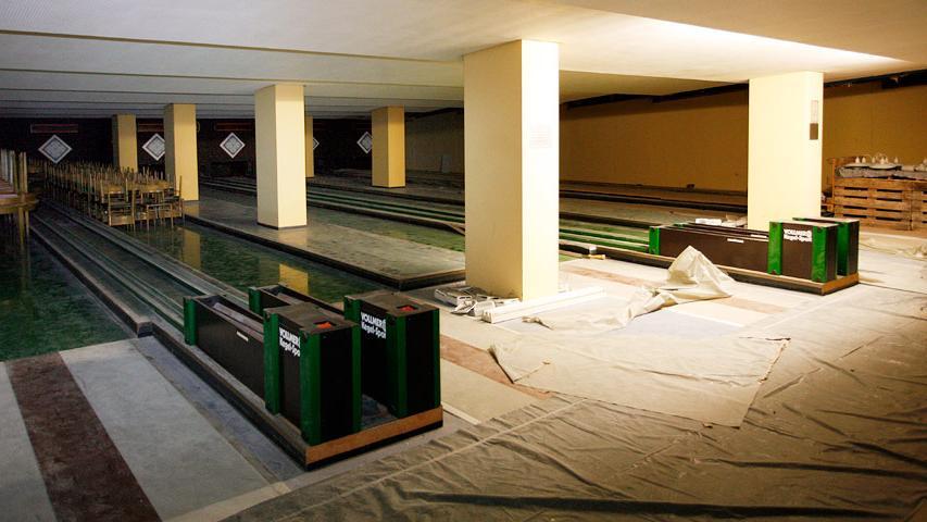 Heute sind die Kegelbahnen vergessen und eingestaubt. Bei der Dimension des Hallenkomplexes hatte sich die Stadt Nürnberg übernommen, zumindest was den späteren Bauunterhalt betraf.