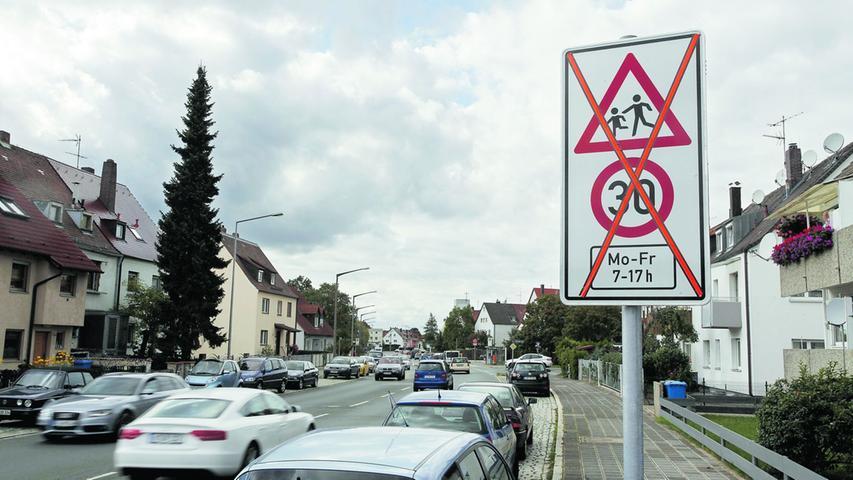 Tempo 30 vor Schulen: Die Stadt nimmt Schilder runter