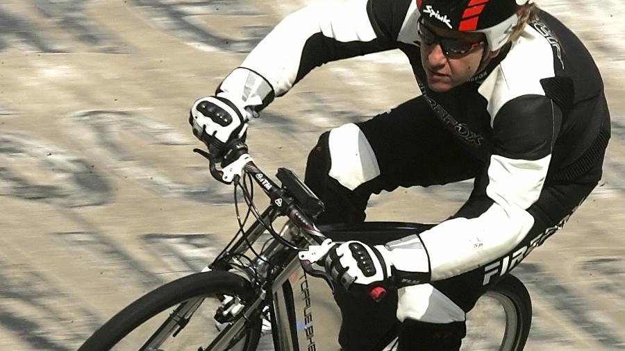 """Harald Elendt will am Samstag sein von ihm entwickeltes """"Pedelec"""" auf 100 Stundenkilometer beschleunigen."""