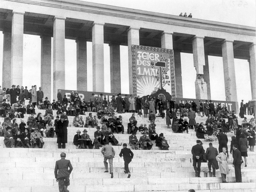 Nürnberg, Geschichte, Trümmerjahre Maifeier des ADGB 1947 .