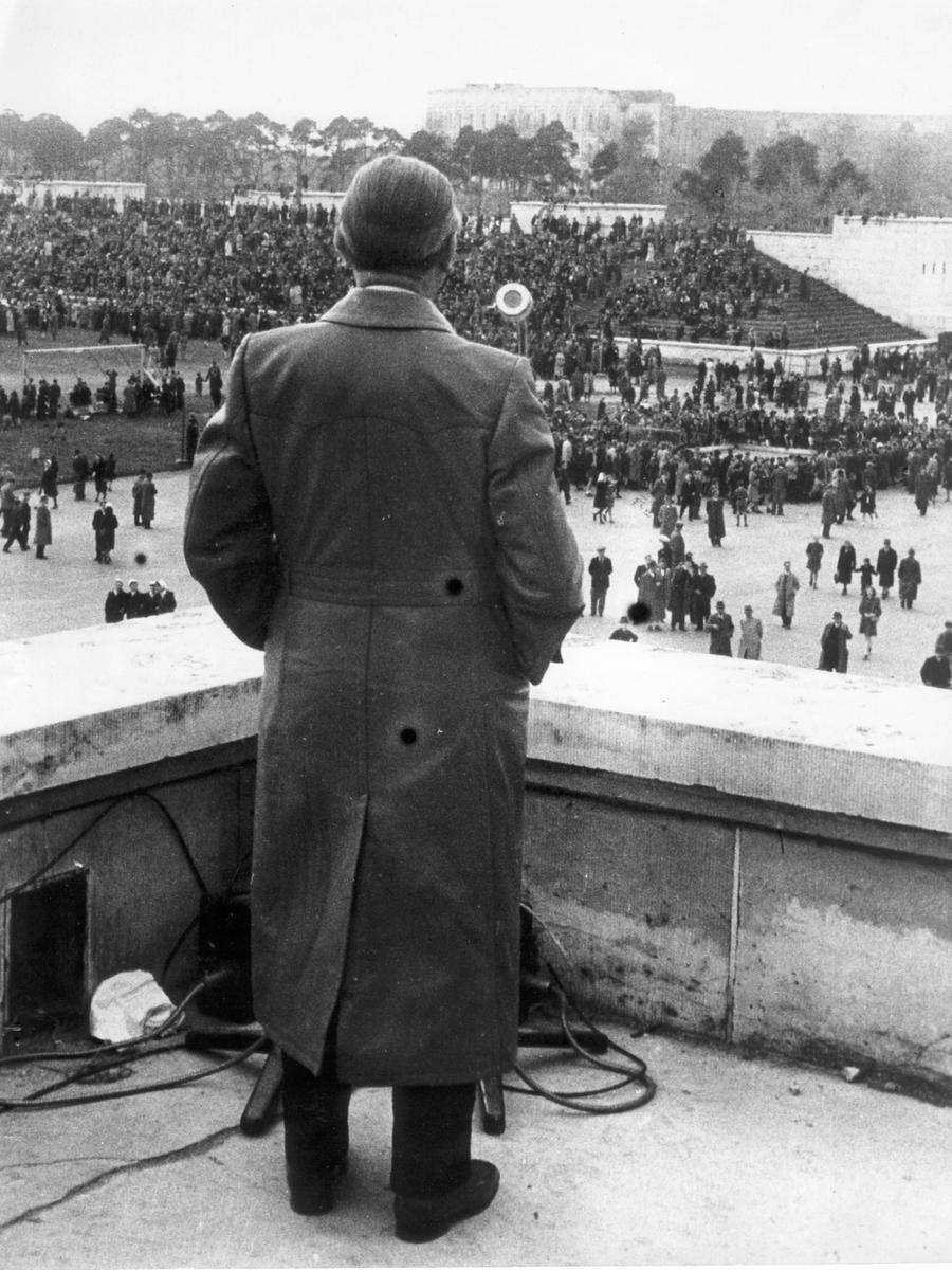 Blick auf die Maifeier 1947.