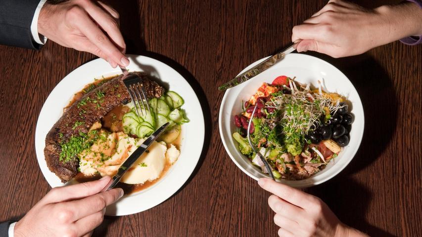 Flexitarier sind Gelegenheitsvegetarier, die Wert auf gesundes Essen legen, Fleisch oder Fisch aber nicht kontinuierlich meiden.