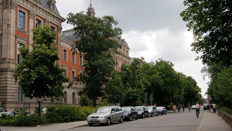 Wer nicht die ganze Zeit im Kollegienhaus in Erlangen sitzen mag zum Studieren, hat in Erlangen zahlreiche Möglichkeiten.